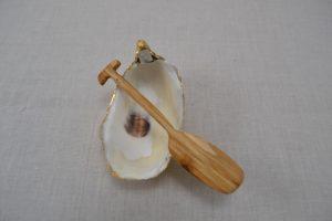 Oyster shell, goldleaf, crystal, wood